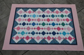 Lynn Dash Baby Quilt for Arona Joan Whanger (2)